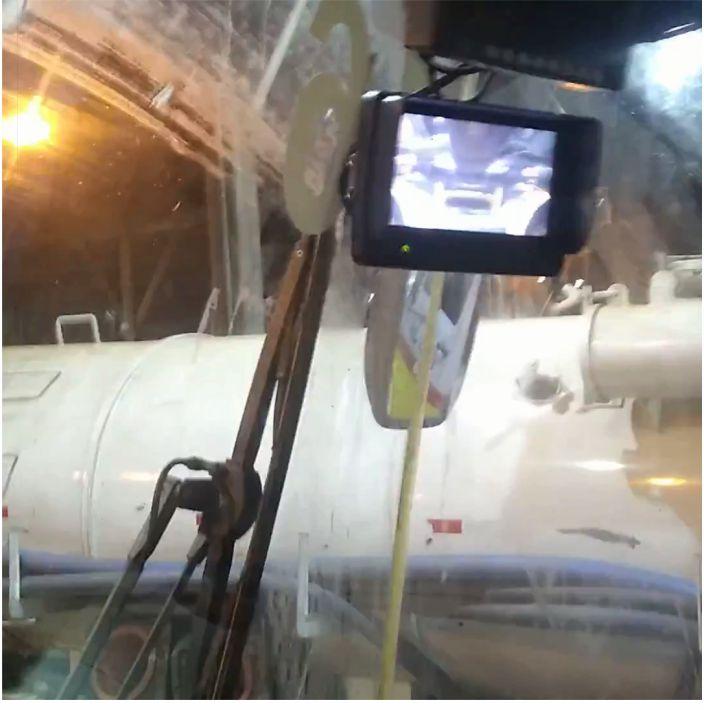 Aplicação de monitor em cabine de máquina